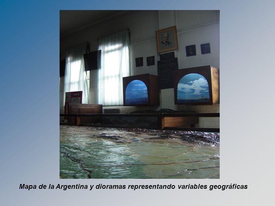 Mapa de la Argentina y dioramas representando variables geográficas