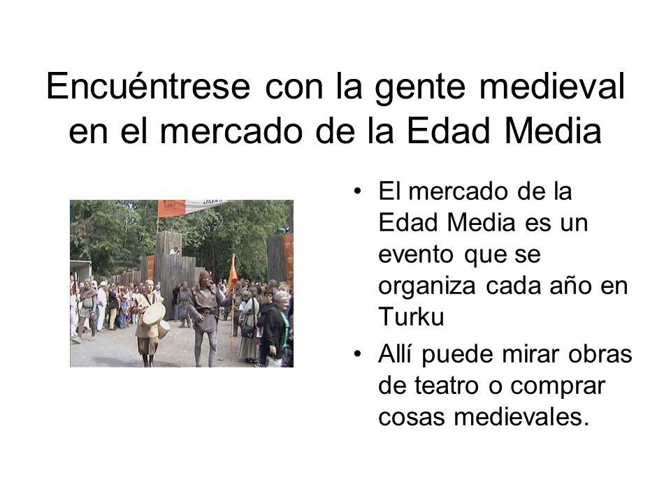 Encuéntrese con la gente medieval en el mercado de la Edad Media