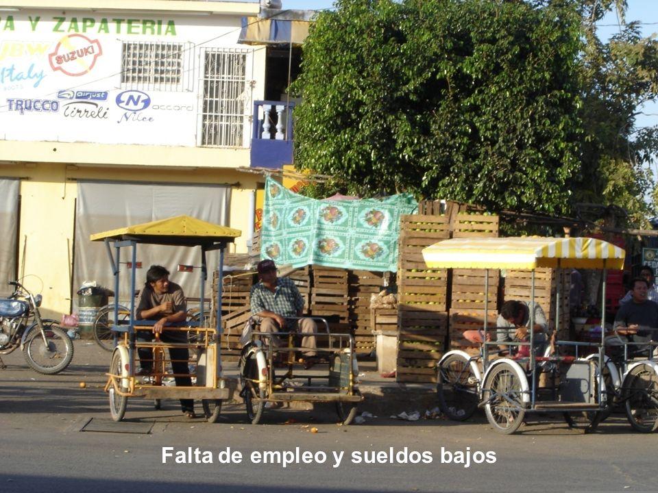 Falta de empleo y sueldos bajos