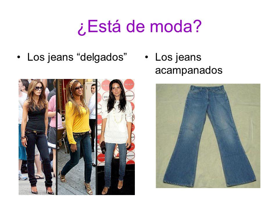 ¿Está de moda Los jeans delgados Los jeans acampanados