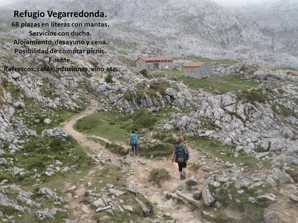 Refugio Vegarredonda. 68 plazas en literas con mantas.