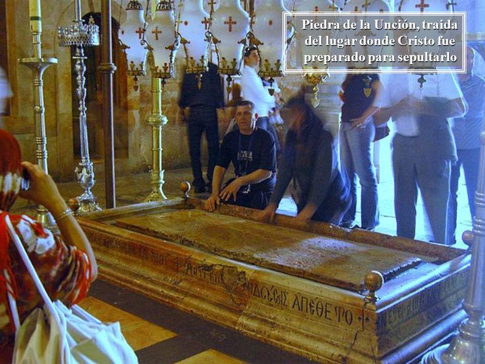 Piedra de la Unción, traida del lugar donde Cristo fue preparado para sepultarlo