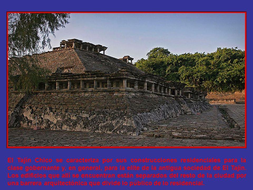 El Tajín Chico se caracteriza por sus construcciones residenciales para la clase gobernante y, en general, para la elite de la antigua sociedad de El Tajín.