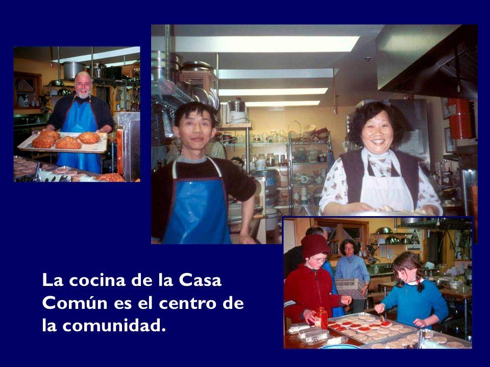 La cocina de la Casa Común es el centro de la comunidad.