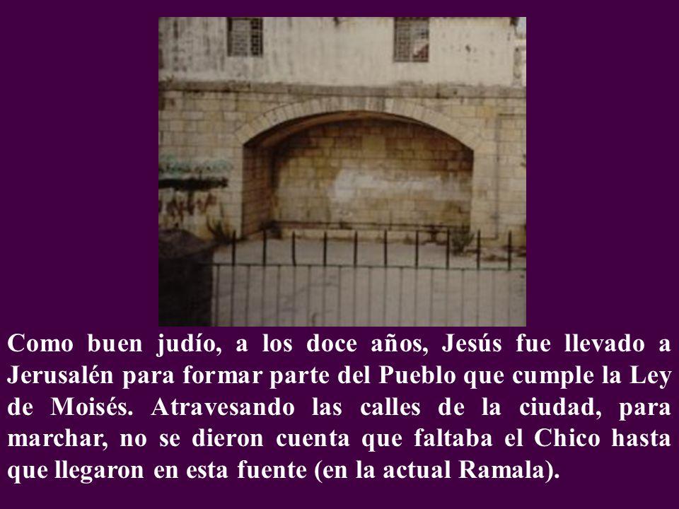 Como buen judío, a los doce años, Jesús fue llevado a Jerusalén para formar parte del Pueblo que cumple la Ley de Moisés.