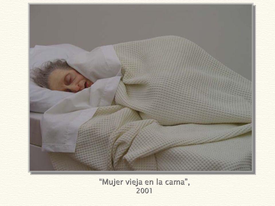Mujer vieja en la cama , 2001