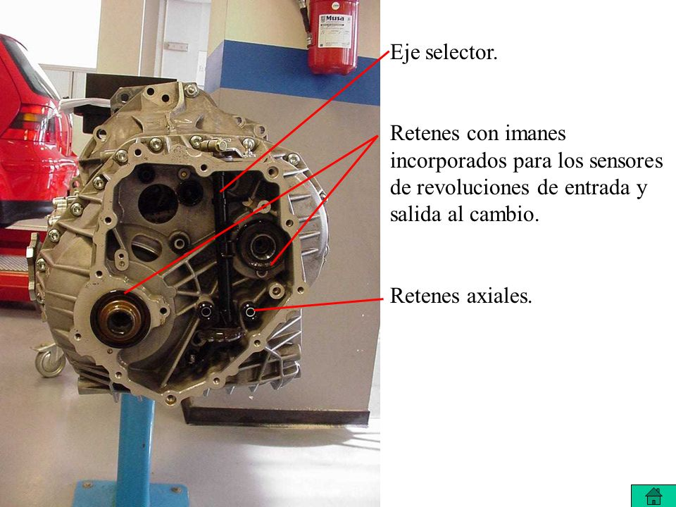 Eje selector. Retenes con imanes incorporados para los sensores de revoluciones de entrada y salida al cambio.