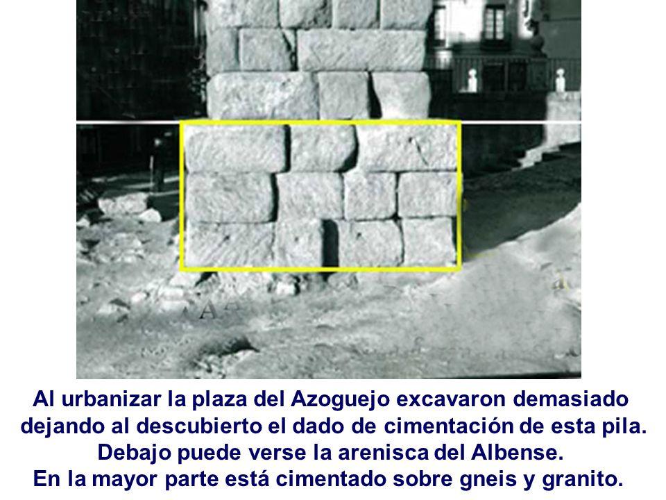 Al urbanizar la plaza del Azoguejo excavaron demasiado