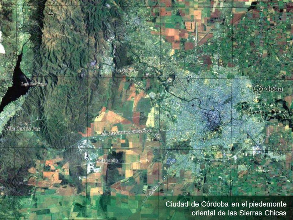 Ciudad de Córdoba en el piedemonte oriental de las Sierras Chicas