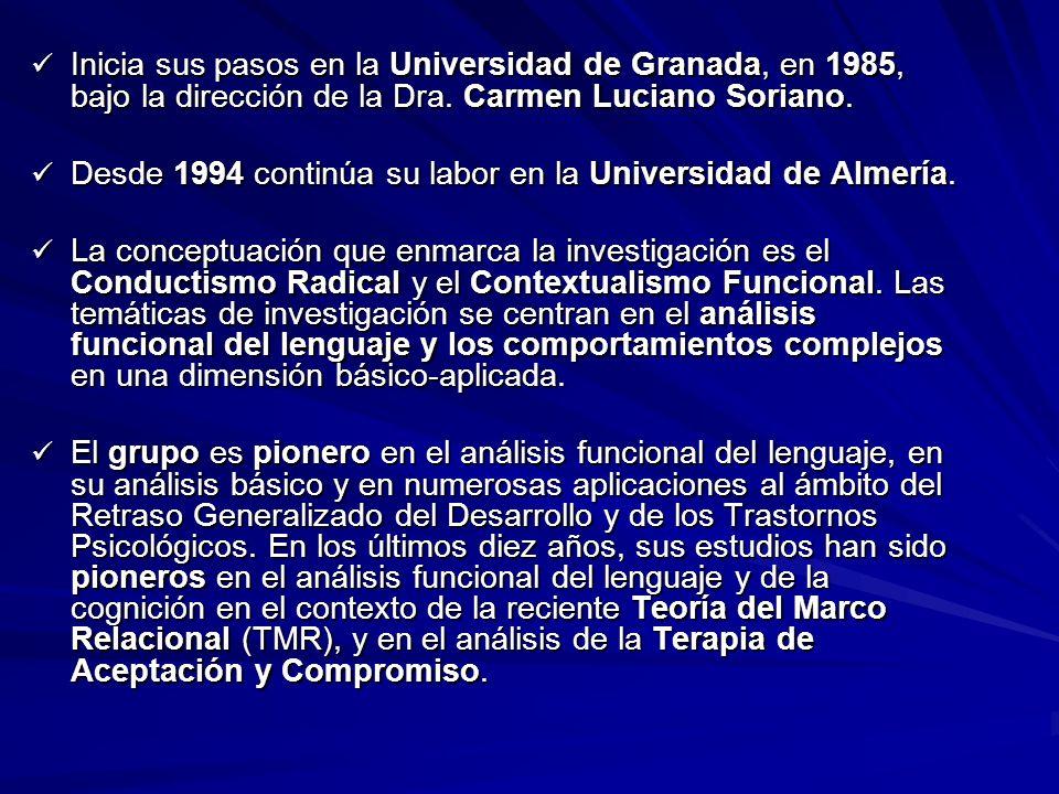 Inicia sus pasos en la Universidad de Granada, en 1985, bajo la dirección de la Dra. Carmen Luciano Soriano.