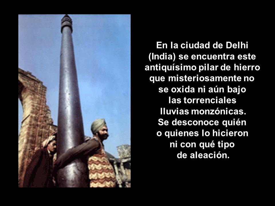 (India) se encuentra este antiquísimo pilar de hierro