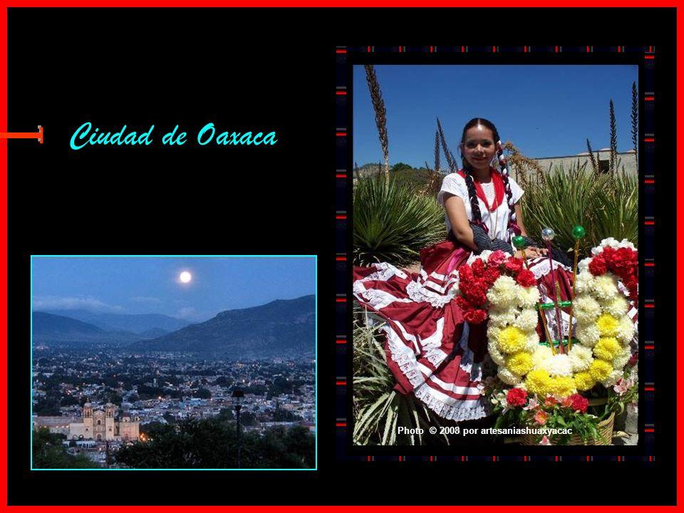 Ciudad de Oaxaca E Photo © 2008 por artesaniashuaxyacac