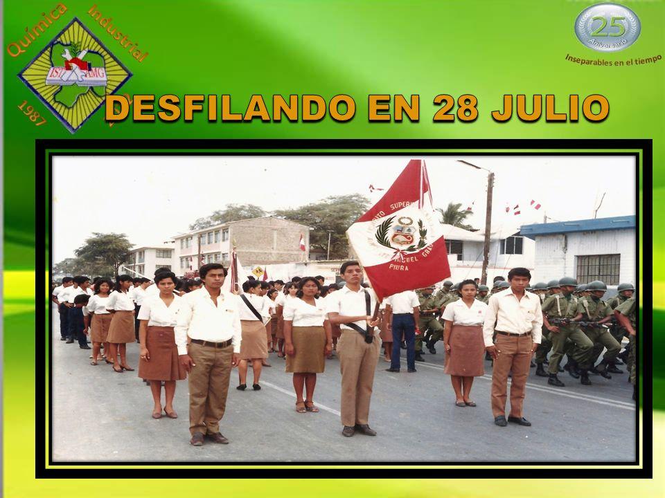 DESFILANDO EN 28 JULIO