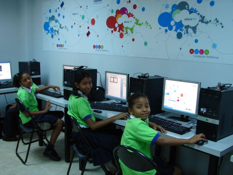 Hemos centrado los esfuerzos en la descripción de la experiencia de educación inclusiva desarrollada con apoyo de Proniño en la Escuela Básica General Hernando Bárcenas F., que tiene características socio-demográficas de la ruralidad panameña.