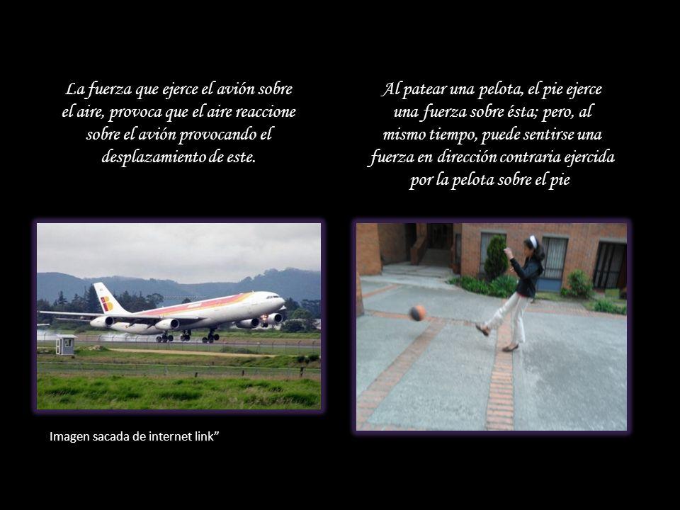 La fuerza que ejerce el avión sobre el aire, provoca que el aire reaccione sobre el avión provocando el desplazamiento de este.