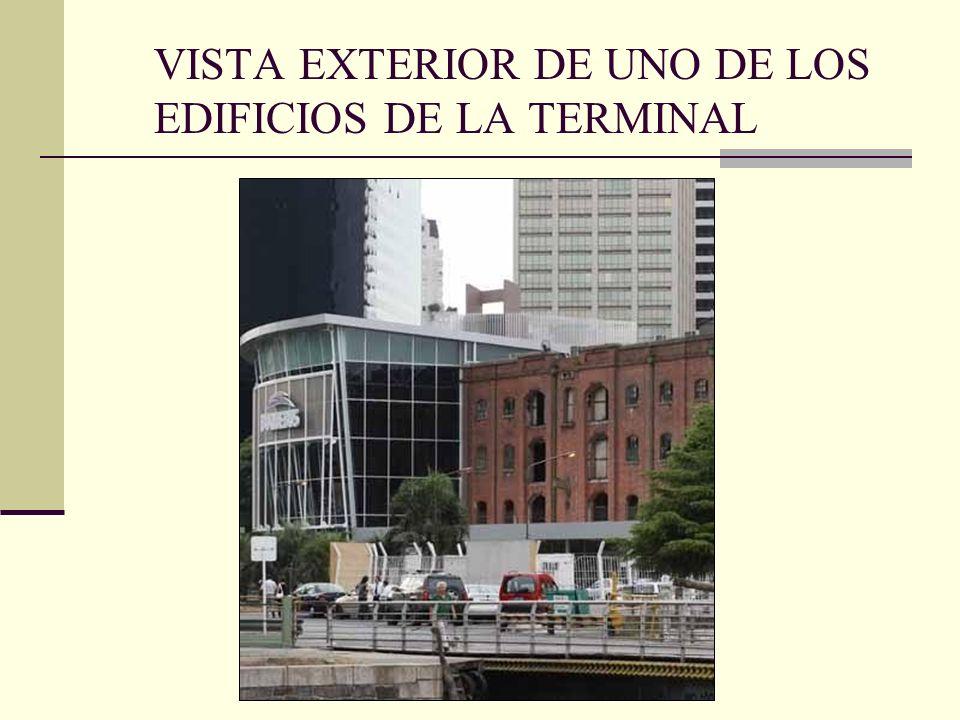 VISTA EXTERIOR DE UNO DE LOS EDIFICIOS DE LA TERMINAL