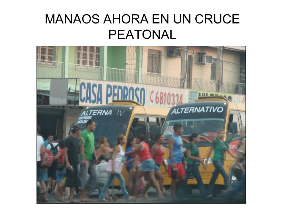 MANAOS AHORA EN UN CRUCE PEATONAL