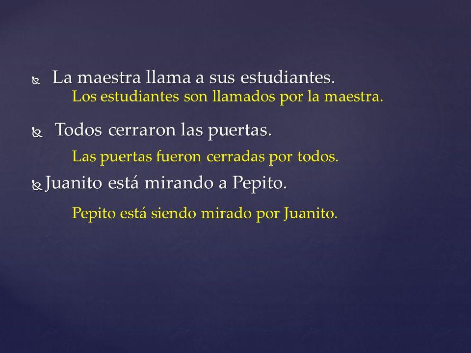 Todos cerraron las puertas. Juanito está mirando a Pepito.