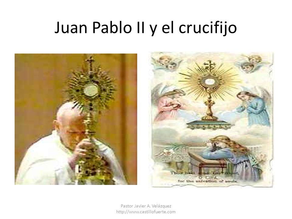 Juan Pablo II y el crucifijo