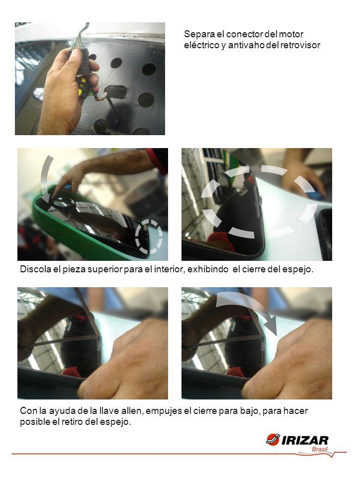 Separa el conector del motor eléctrico y antivaho del retrovisor