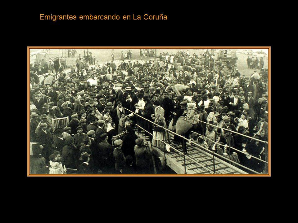 Emigrantes embarcando en La Coruña