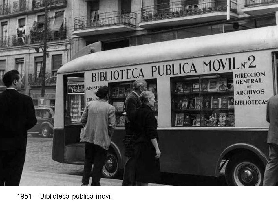 1951 – Biblioteca pública móvil