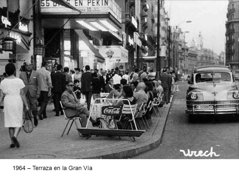 1964 – Terraza en la Gran Vía
