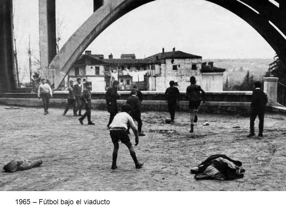 1965 – Fútbol bajo el viaducto