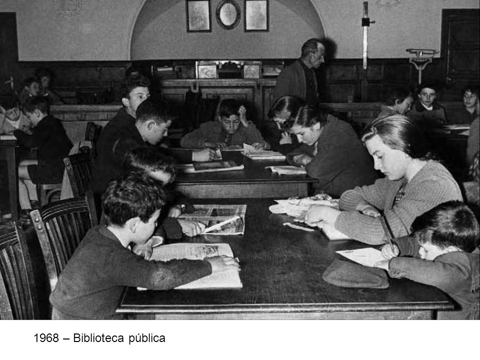 1968 – Biblioteca pública