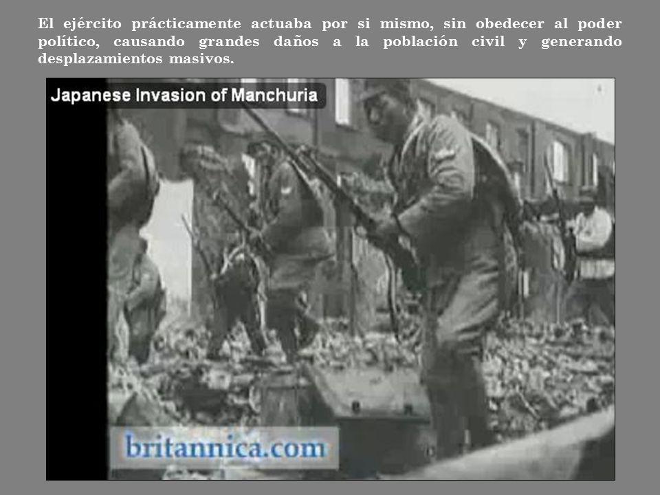 El ejército prácticamente actuaba por si mismo, sin obedecer al poder político, causando grandes daños a la población civil y generando desplazamientos masivos.