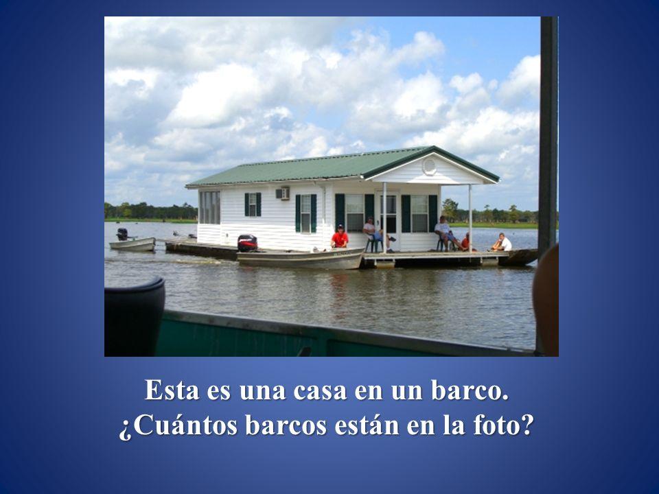 Esta es una casa en un barco. ¿Cuántos barcos están en la foto