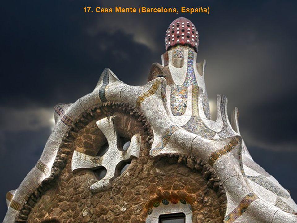 17. Casa Mente (Barcelona, España)