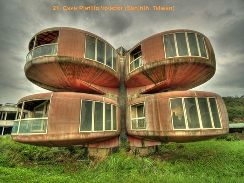 21. Casa Platillo Volador (Sanjhih, Taiwan)