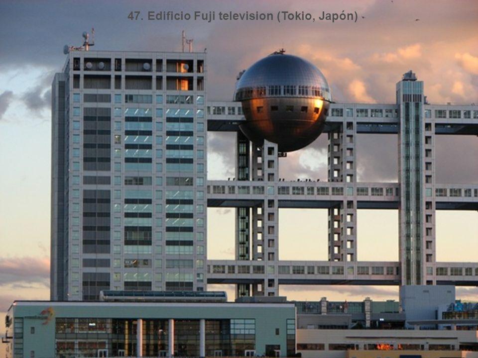 47. Edificio Fuji television (Tokio, Japón)