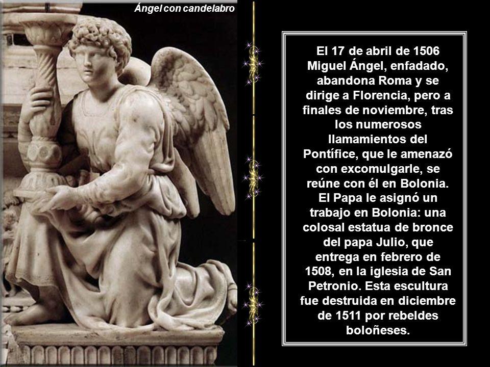 Ángel con candelabro