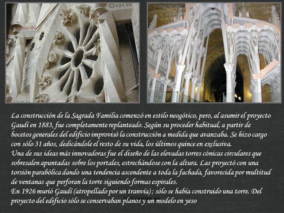 La construcción de la Sagrada Familia comenzó en estilo neogótico, pero, al asumir el proyecto Gaudí en 1883, fue completamente replanteado. Según su proceder habitual, a partir de bocetos generales del edificio improvisó la construcción a medida que avanzaba. Se hizo cargo con sólo 31 años, dedicándole el resto de su vida, los últimos quince en exclusiva.