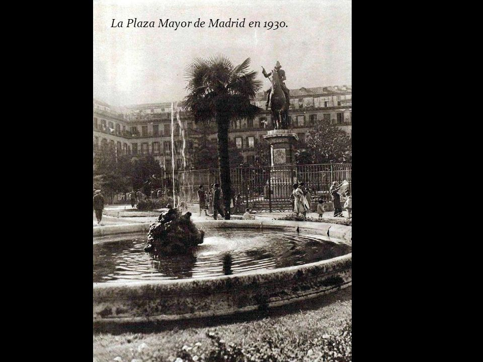 La Plaza Mayor de Madrid en 1930.