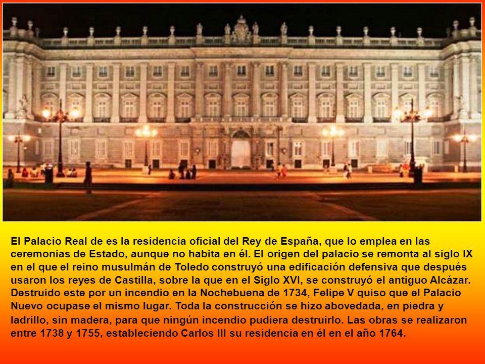 Fachada de la Plaza de Oriente del Palacio Real