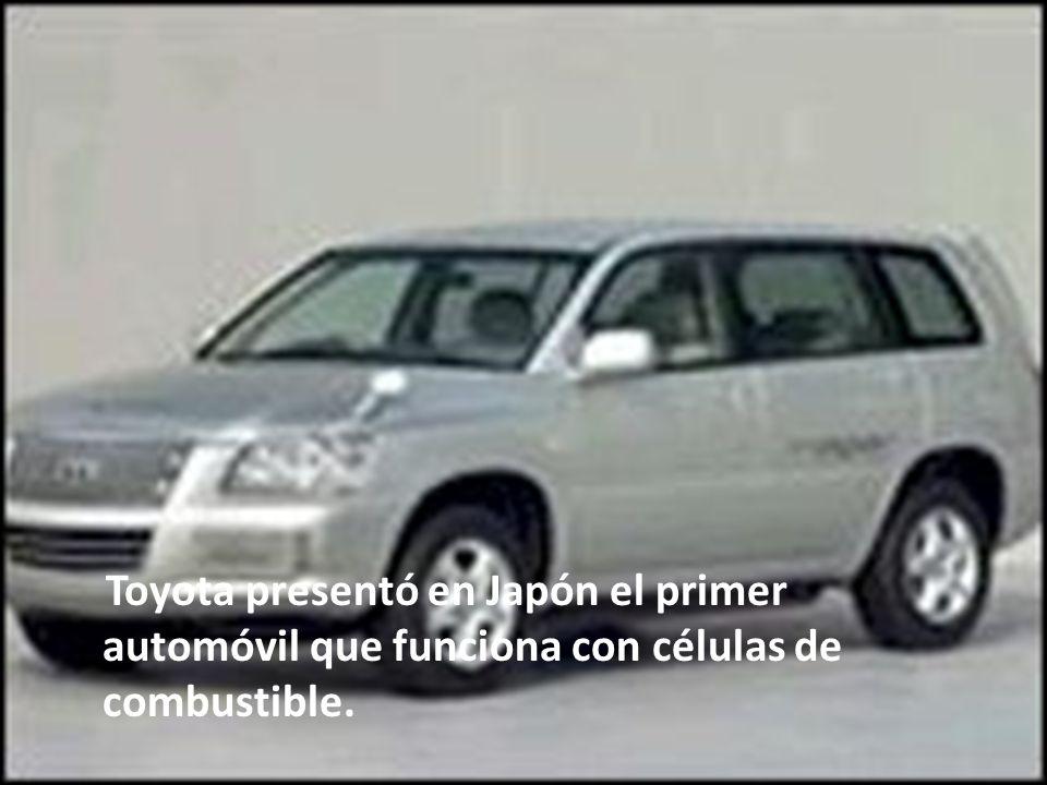 Toyota presentó en Japón el primer automóvil que funciona con células de combustible.