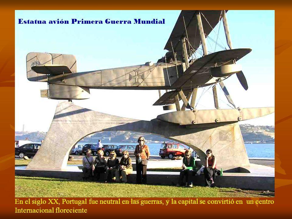 Estatua avión Primera Guerra Mundial