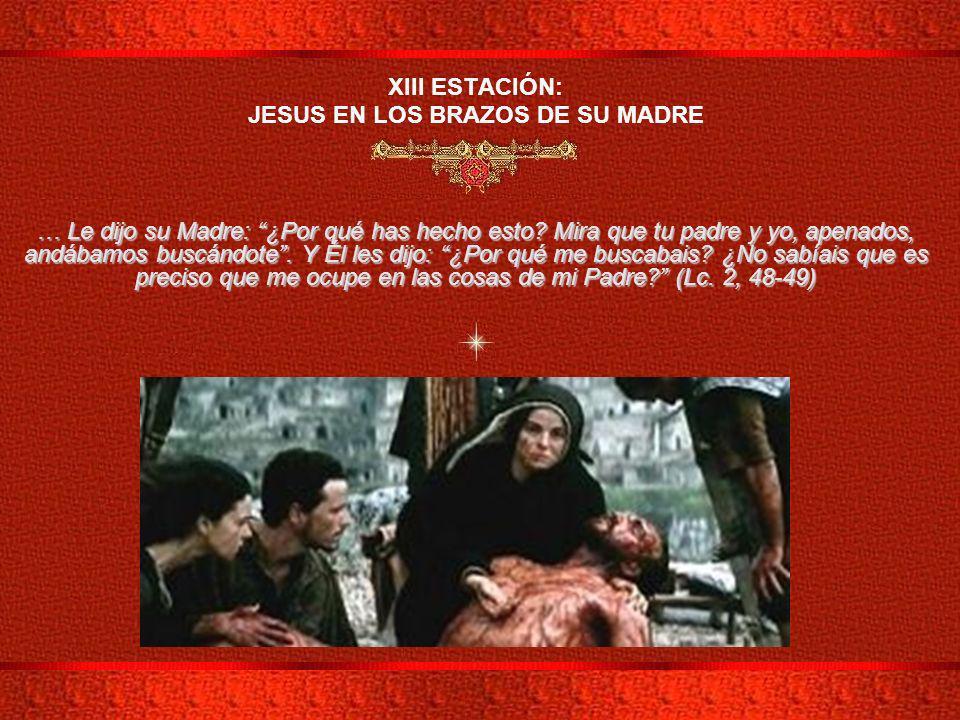 JESUS EN LOS BRAZOS DE SU MADRE