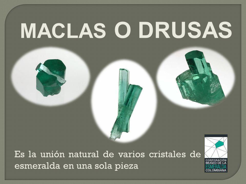MACLAS O DRUSAS Es la unión natural de varios cristales de esmeralda en una sola pieza
