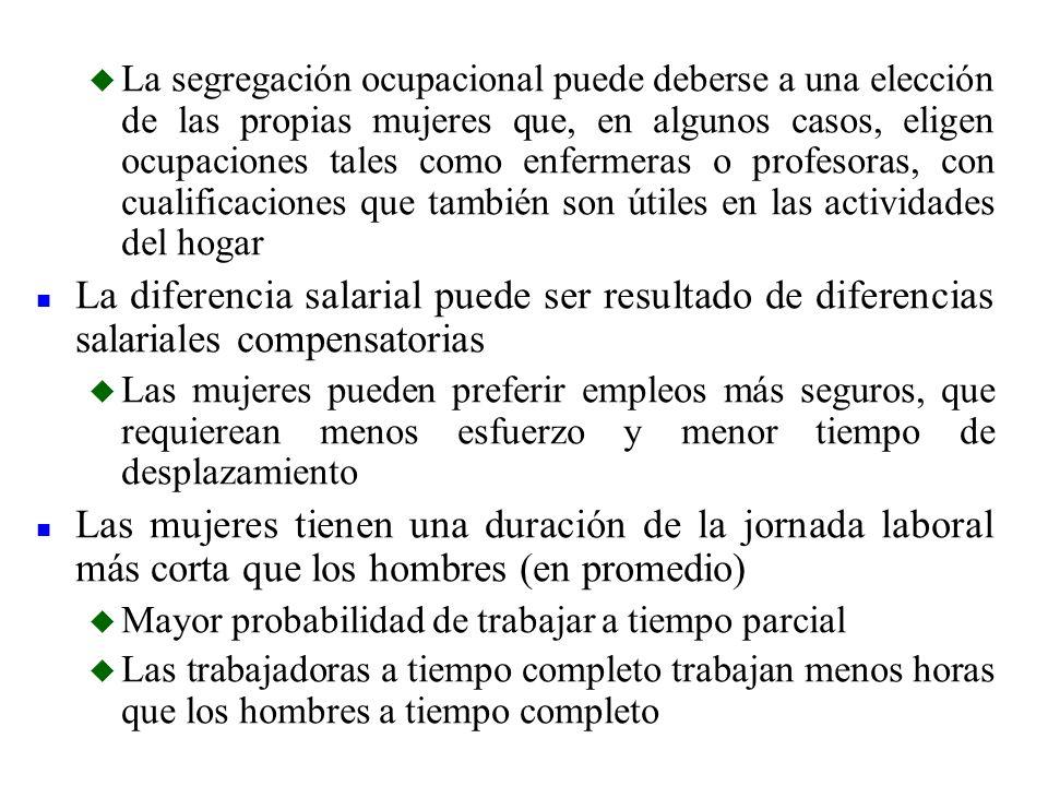 La segregación ocupacional puede deberse a una elección de las propias mujeres que, en algunos casos, eligen ocupaciones tales como enfermeras o profesoras, con cualificaciones que también son útiles en las actividades del hogar