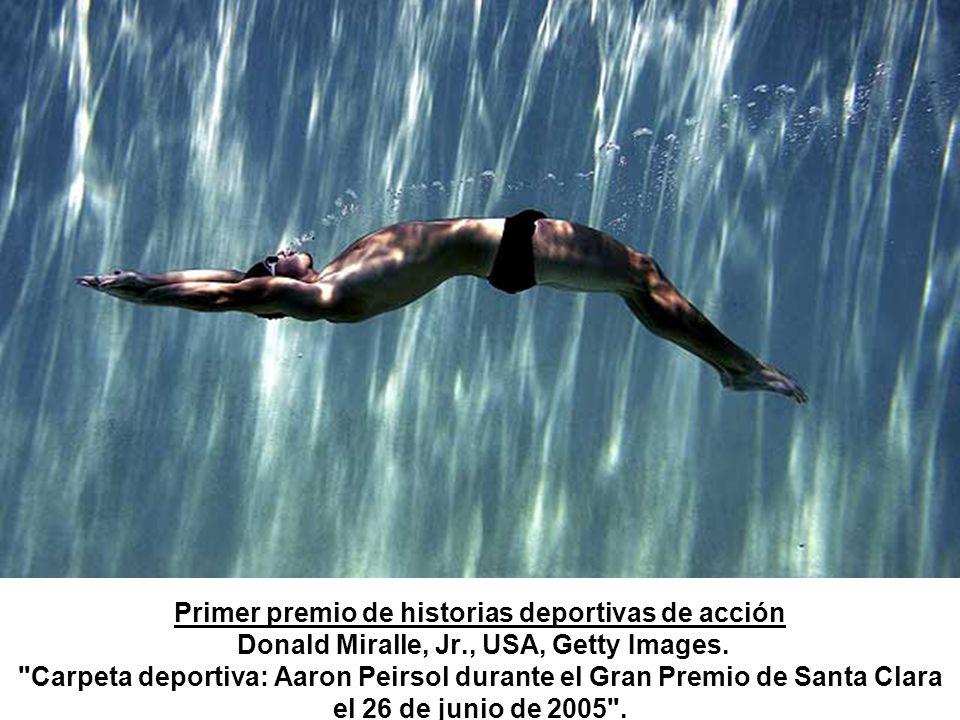 Primer premio de historias deportivas de acción Donald Miralle, Jr