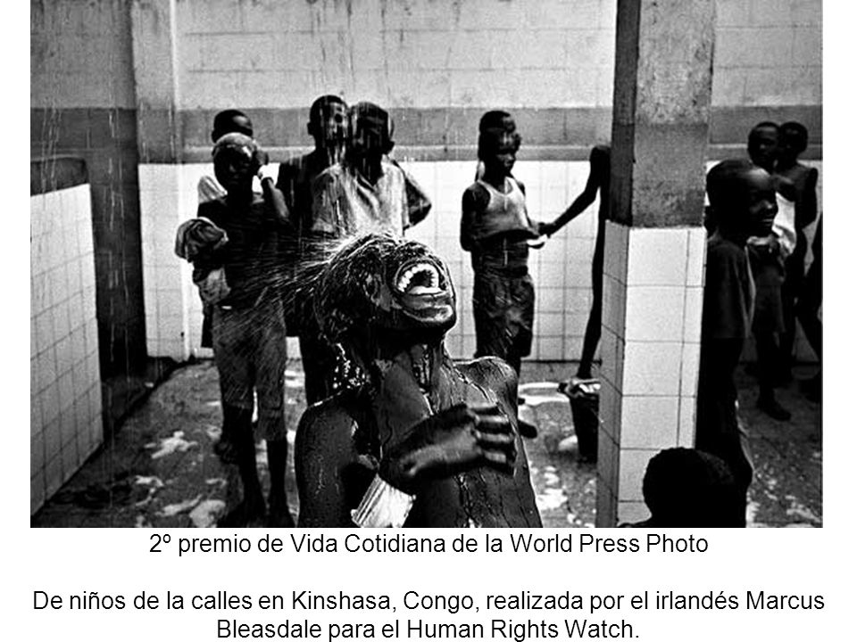 2º premio de Vida Cotidiana de la World Press Photo De niños de la calles en Kinshasa, Congo, realizada por el irlandés Marcus Bleasdale para el Human Rights Watch.