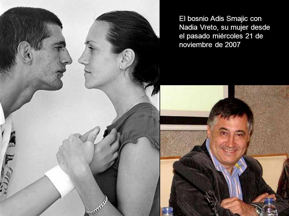 El bosnio Adis Smajic con Nadia Vreto, su mujer desde el pasado miércoles 21 de noviembre de 2007