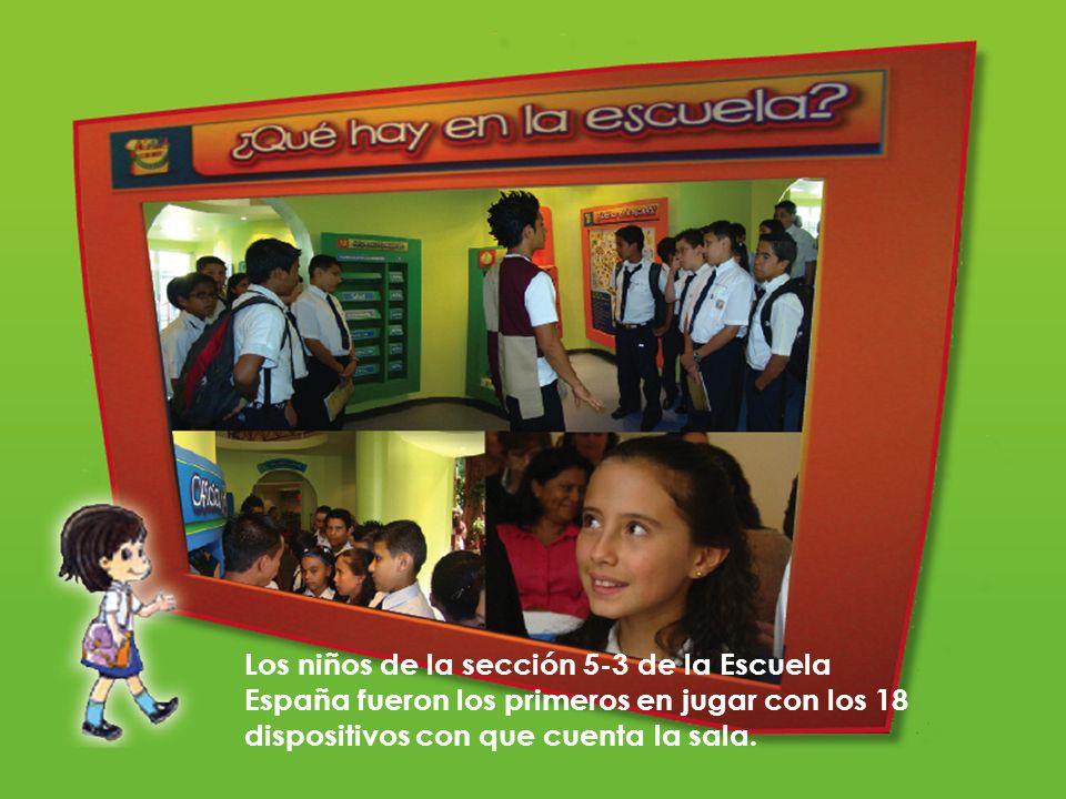 Los niños de la sección 5-3 de la Escuela España fueron los primeros en jugar con los 18 dispositivos con que cuenta la sala.