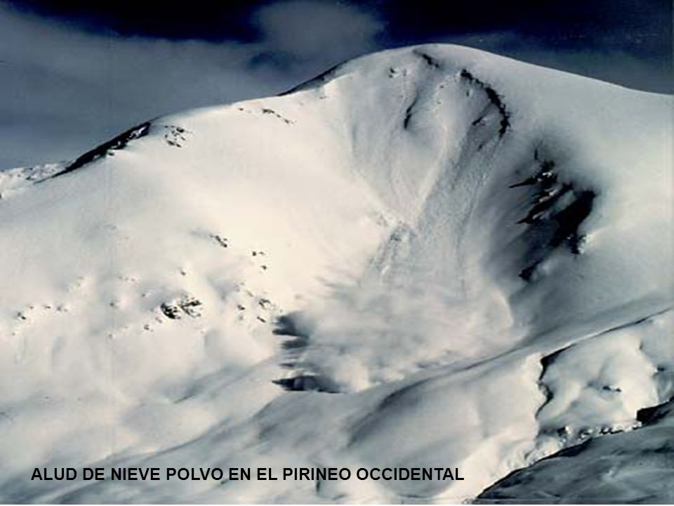 ALUD DE NIEVE POLVO EN EL PIRINEO OCCIDENTAL