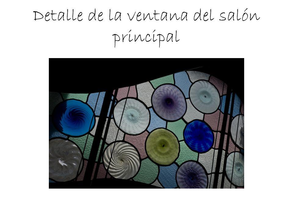 Detalle de la ventana del salón principal