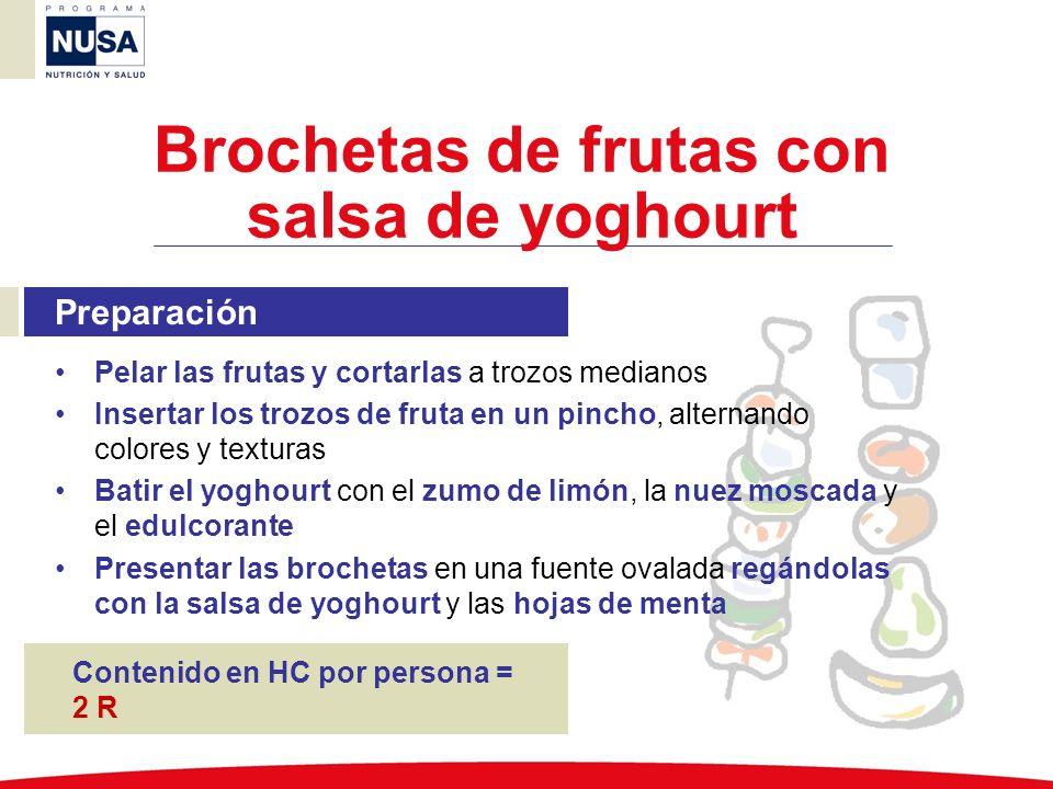 Brochetas de frutas con salsa de yoghourt